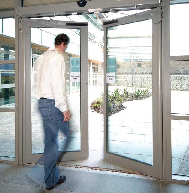 Автоматические устройства для дверей